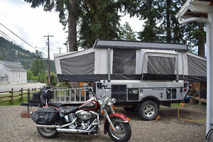 2007 Fleetwood off road tent trailer with toy haul deck