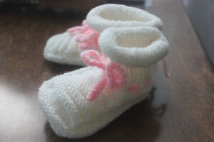 Hand Knit Baby Booties (new)
