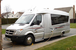 2008 FREEDOM ll SERENITY by Leisure Travel Vans Class B