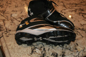 Football cleats for boys West Island Greater Montréal image 2