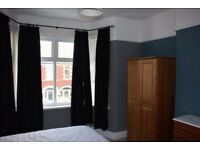 Nice room close to centre! bills included