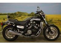 Yamaha VMAX 2004**DATATOOL, 1 FORMER OWNER, RADIATOR GUARD, LUGGAGE RACK**