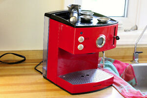 Morphy Richards Espresso coffee maker with steam wand
