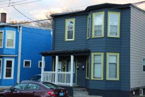 $2,400 - 4 Bedroom Upper Flat Available September 1st
