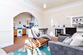 4 bedroom, top floor maisonette to let in High Street, Kirkcaldy.