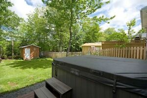 HOT TUB STAYS WITH PROPERTY 274 BEAVER BANK CROSS RD MILLWOOD