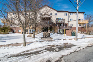 Spacious 2 level condo in Clayton Park! - 106 203 Ross Street