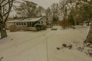 Updated Bungalow - Head of St. Margaret's Bay