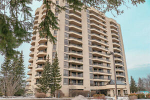 Huge Oshawa Condo 1700+ sq ft w/Beautiful South West Views