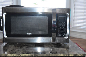 RCA 1.1-Cu.Ft. Microwave, Stainless Steel