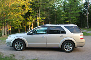 2008 Ford FreeStyle/Taurus X Limited Edition SUV, Crossover