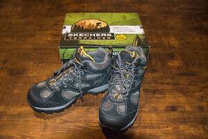 Skechers Trainer Hiking Waterproof boot(Men) Excellent condition