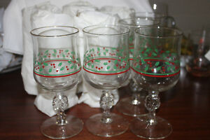 10 Christmas Goblets ( NEW )