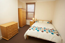 Room in Portsmouth.Furnished to a v.high standard. Sky, wifi. ALL BILLS INCLUDED. No deposits taken