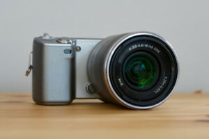Sony NEX-5 APS-C Camera + 18-55MM OSS + IR Remote