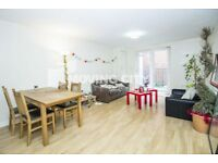4 bedroom flat in Imperium House, Aldgate East, E1