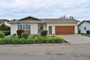 Beautifully Maintained Shellbrook Bungalow