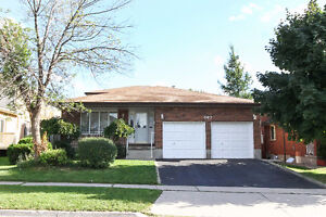SPACIOUS BACKSPLIT IN EAST GALT - PERFECT MOVE UP HOME Cambridge Kitchener Area image 2