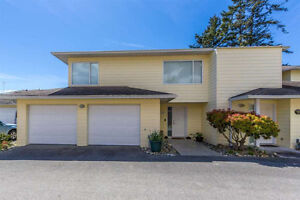 Sechelt District Townhouse for sale:  2 bedroom 1,753 sq.ft.