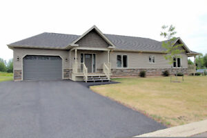 Executive bungalow + in-law suite in Dieppe M113088