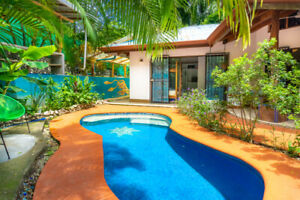 Costa Rica House with Pool, walk to 3 beaches