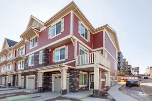 END UNIT Townhome in Beautiful Kincora