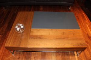 table basse verre et bois pieds en aluminium