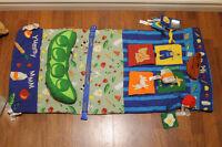 Couvre panier d'épicerie et tapis de jeux d'éveil Infantino