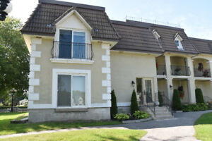 Waterfront Condo Lake Simcoe - Free Boat Docking Right Outside