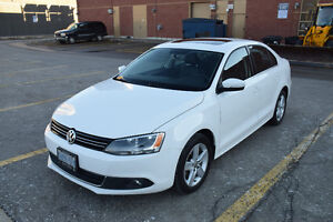 2011 VW Jetta Highline | Factory Warranty | Excellent Condtion
