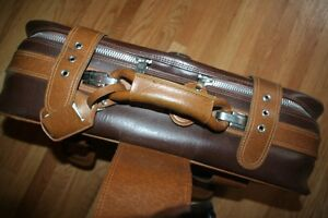 Take flight: good-looking retro suitcase in immaculate condition Kitchener / Waterloo Kitchener Area image 5