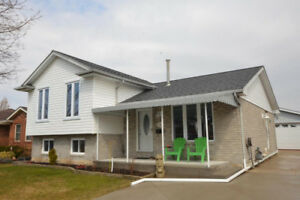 Terrific Townsend Detached Home With Double Garage!