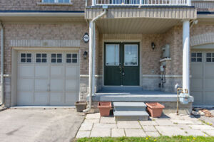 Beautiful 3 Bedroom Freehold Townhouse in Brampton