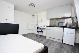 Studio flat in 16 Chapel Market, Islington, N1(Ref: 1575)