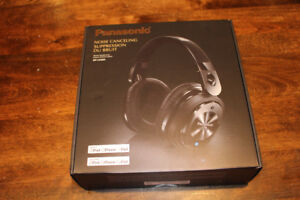 Panasonic Noise Cancelling Headphones - new