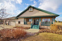 Country Rancher on 2.3 acres minutes to Sherwood Park