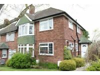 2 bedroom flat in Sterling Avenue, EDGWARE, HA8