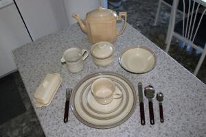 Set de vaisselle (Stoneware Styled Mikasa)