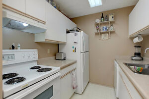 IMMACULATE CENTRALLY LOCATED CONDO! Edmonton Edmonton Area image 5