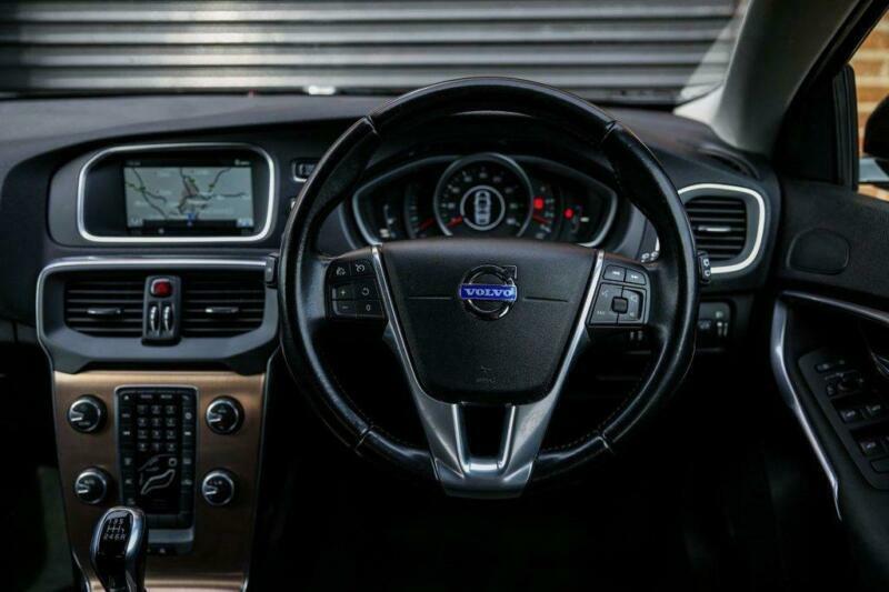 2014 Volvo V40 D3 Cross Country SE Nav 5dr Hatchback Diesel Manual