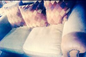 Very clean stylish settee no rips or tares or stains can also deliver this also