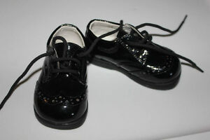 Brand NEW black patent leather shoes size 2 (infant)