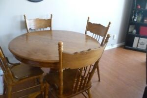 dining room table, 4 chairs and leaf
