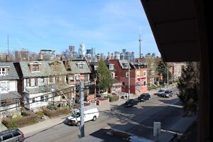 1 Bedroom, top floor, two patios, AC,  Bathurst and College