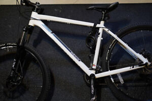 Marin Bobcat Trail 7.3 Bike - Perfect Condition, Barely Used