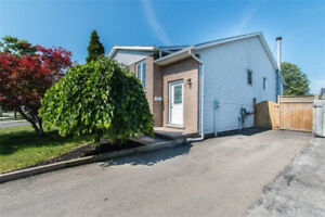 ***INCREDIBLE WELLAND 5 BEDROOM+2 BATH HOME***