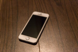 Unlocked Iphone5S - Silver 32GB Used