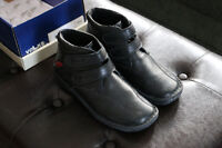 Beautiful Volker Walkers Size 39 Mint Condition