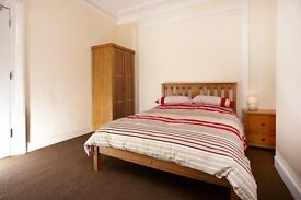 LARGE ROOM TO RENT,PRO. HOUSE SHARE, ALL BILLS INC. FULLY FURN , WIFI, CLEANER, NO DEPOSIT