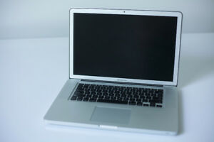 "Macbook Pro Mid-2010 15"" 2.66 GHz Core i7 4GB Ram 500GB HDD"
